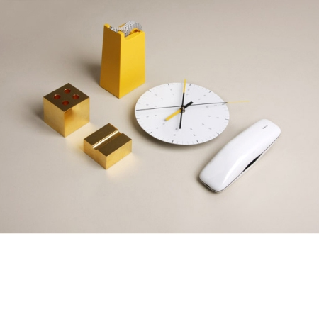 Wallpaper0410_WallClock Close l-res sq